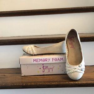 Jellypop Memory Foam Tan Lace Flat Shoes
